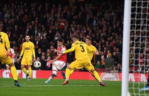 Arsenal Gabriel Martinelli ghi ban