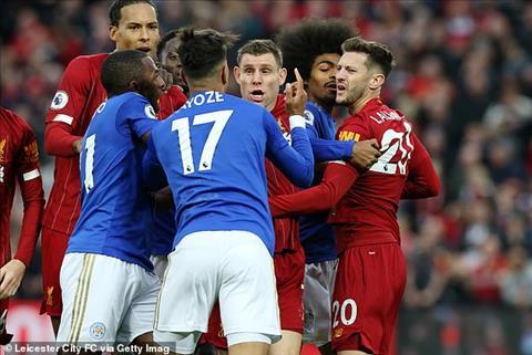 Xô xát ở Anfield do Liverpool ăn mừng khiêu khích Leicester hình ảnh 2