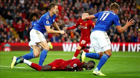Tiền đạo Mane bị tình nghi ngã vờ ở tình huống penalty trước Leicester hình ảnh