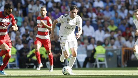 Tỏa sáng trước Granada, sao trẻ Valverde tranh thủ lấy lòng Zidane hình ảnh