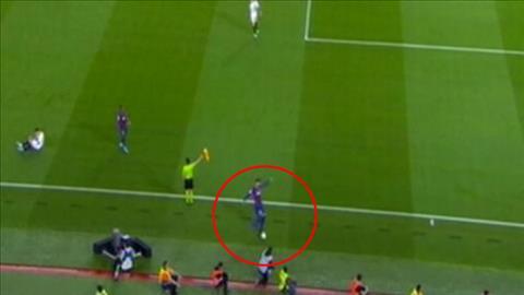 Barca 4-0 Sevilla Pique tẩy thẻ nhưng khôn ngoan hay dại dột hình ảnh