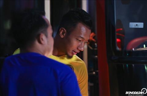 Rút kinh nghiệm từ sự cố, ĐT Malaysia ra tập sát giờ sân bật đèn hình ảnh