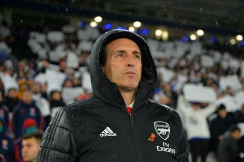 Arsenal khong sa thai HLV Unai Emery sau tran thua Leicester