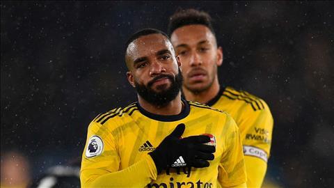 Arsenal thua thảm Leicester, tiền đạo Lacazette vẫn mơ về top 4 hình ảnh