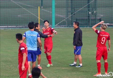 Sau do, Cong Phuong nhuong de Van Toan tim duoc cho trong.