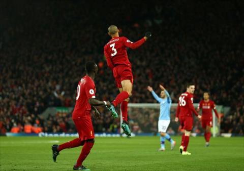 Lý do Virgil van Dijk không ăn mừng bàn thắng của Fabinho hình ảnh