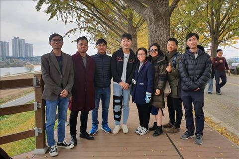 Xuan Truong dieu tri chan thuong tai Han Quoc 11/2019