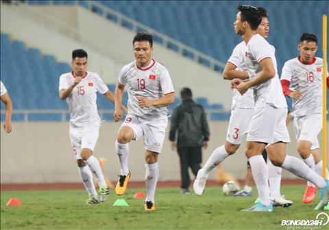 TRỰC TIẾP Việt Nam vs UAE 20h00 ngày 1411 Công Phượng dự bị, Tiến Linh vẫn đá chính hình ảnh 2