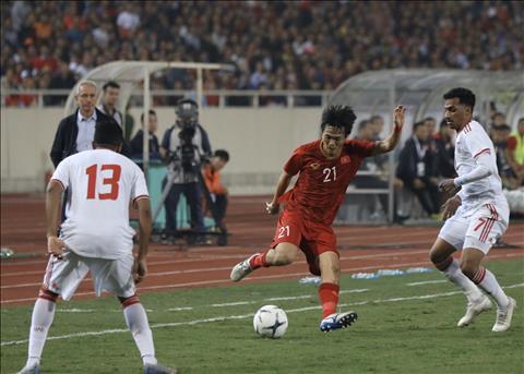 TRỰC TIẾP Việt Nam 1-0 UAE (H1) Siêu phẩm khó tin của Tiến Linh hình ảnh 3