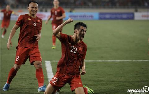 Việt Nam 1-0 UAE (KT) Thắng nhờ siêu phẩm của Tiến Linh, Việt Nam vươn lên dẫn đầu bảng G vòng loại World Cup 2022 hình ảnh 4