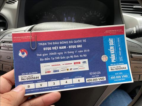 Vé chợ đen trận Việt Nam vs UAE rớt giá Bán bằng giá gốc! hình ảnh