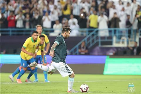 Messi mo ty so sau mot tinh huong sut 11m