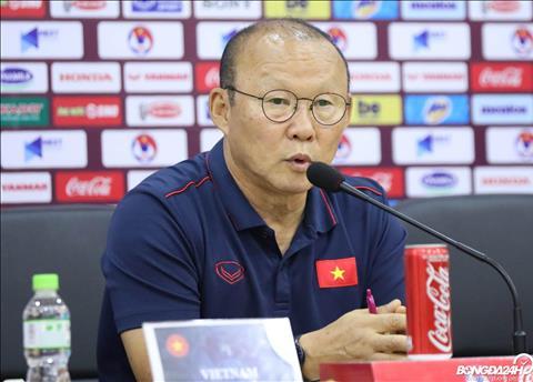 Họp báo trước trận Việt Nam vs Thái Lan HLV Nishino áp lực, HLV Park Hang Seo quyết tâm hình ảnh 2