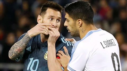 Nhận lời thách thức, Messi suýt tẩn Cavani ngay trên sân hình ảnh 2