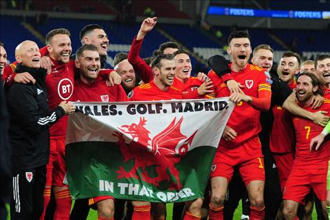 Cả Xứ Wales chung tay giúp Gareth Bale cà khịa Real Madrid hình ảnh