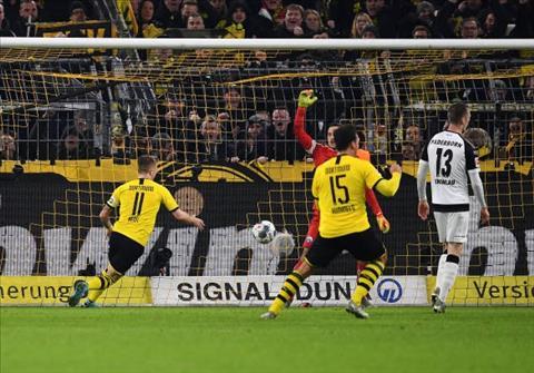 Giành lại 1 điểm ngoạn mục, Marco Reus vẫn xấu hổ vì Dortmund hình ảnh