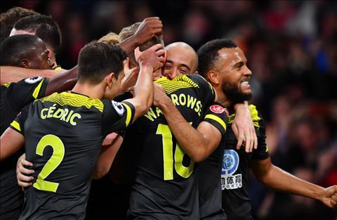 Arsenal 2-2 Southampton ghi ban