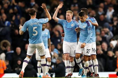 Man City thang Chelsea 2-1