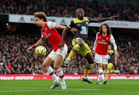 Tony Adams chỉ trích David Luiz sau trận hòa Southampton hình ảnh