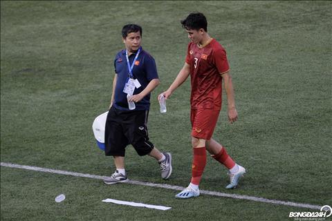 Tấn Sinh chấn thương sau trận thắng 6 sao với U22 Brunei hình ảnh