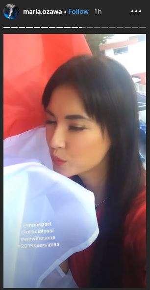 Thánh nữ Maria Ozawa bất ngờ xuất hiện ở SEA Games để cổ vũ U22 Indonesia hình ảnh 2