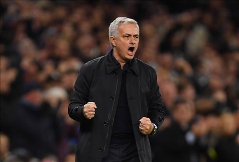 Jose Mourinho: Sai lam moi?