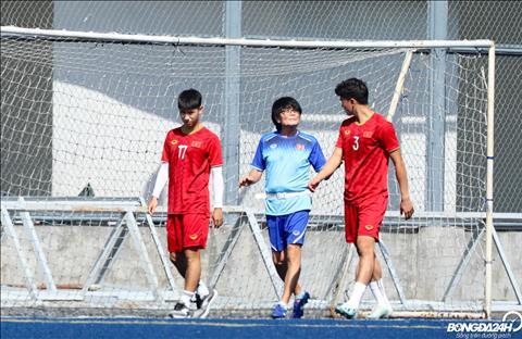 Deu bi dau sau tran dau voi U22 Brunei, Tan Sinh va Trong Hung phai tap rieng.
