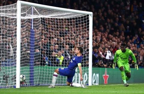 Chelsea 4-4 Ajax Azpilicueta ghi ban