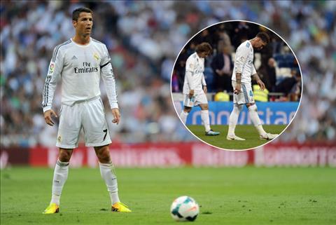 Cristiano Ronaldo rời Real Madrid Ai đá phạt ghi bàn cho Real hình ảnh