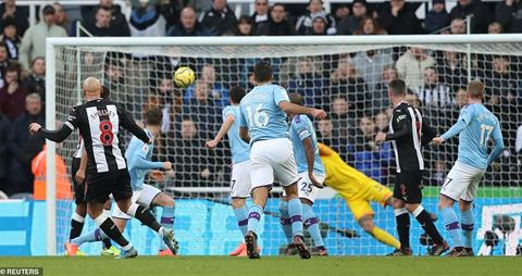 Newcastle 2-2 Man City Thầy trò Guardiola vẫn hy vọng vô địch hình ảnh