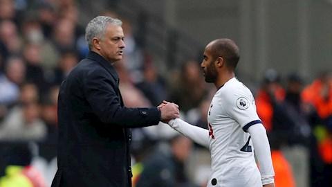 Lucas Moura Jose Mourinho giúp Tottenham giành danh hiệu  hình ảnh