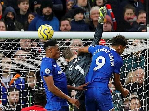 Everton dan truoc 1-0 sau 45 phut