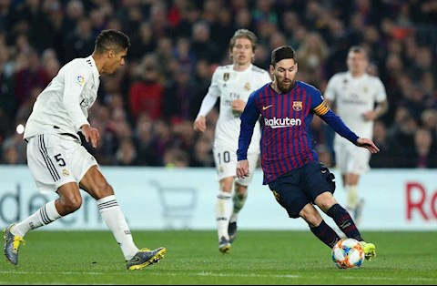 Barca vs Real Varane Messi