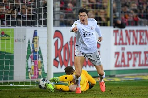 Freiburg 1-3 Bayern Munich Sao vô danh lập công, Hùm xám thắng hú vía hình ảnh 3