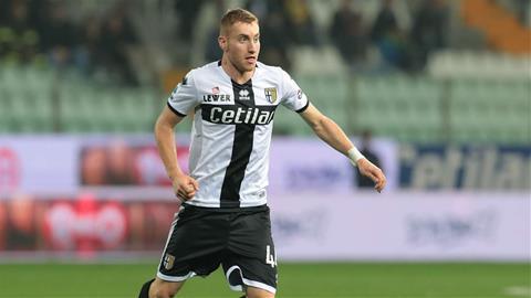 3 đội bóng Anh muốn Dejan Kulusevski rời Parma hình ảnh
