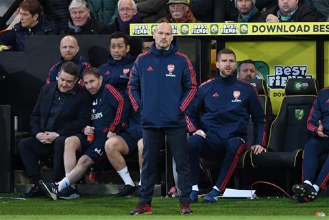 Arsenal suýt thua Norwich HLV mới, thảm cảnh cũ hình ảnh 2