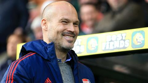 Arsenal hòa may Norwich, Aubameyang vẫn ủng hộ HLV Ljungberg hình ảnh