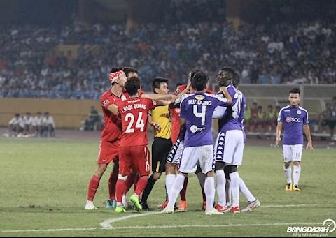 Hai doi bong nhan duoc su quan tam hang dau cua V-League 2019 la Ha Noi va HAGL cham tran nhau tren san Hang Day tai vong 16.