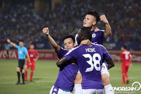 Trong tran luot di chung ket lien khu vuc AFC Cup 2019 tren san Hang Day, Ha Noi FC du co nhieu co hoi nhung khong the tan dung thanh cong, chi co duoc tran hoa 2-2.