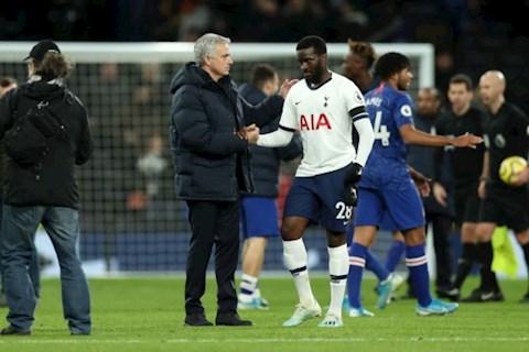 HLV Jose Mourinho nói về tiền vệ Tanguy Ndombele hình ảnh