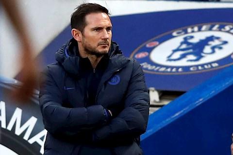 VIDEO: HLV Lampard thua nhan choi o san nha ap luc hon
