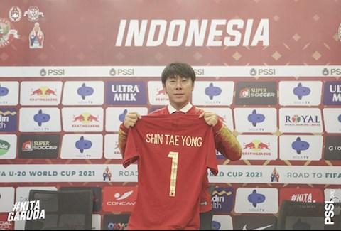 HLV Shin Tae Yong ký hợp đồng 4 năm dẫn dắt ĐT Indonesia hình ảnh