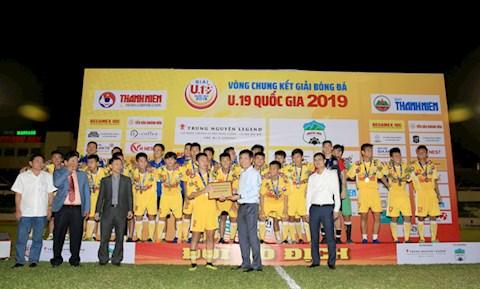 U19 Ha Noi lan thu 5 dang quang ngoi vo dich U19 Quoc gia