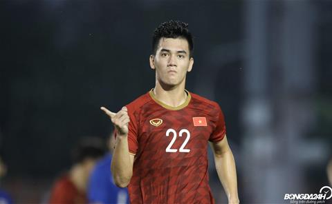 Tien dao Tien Linh U22 Viet Nam an mung ban thang vao luoi U22 Thai Lan