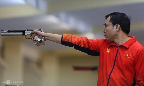 Xạ thủ Hoàng Xuân Vinh hụt HCV SEA Games 30 môn bắn súng hình ảnh