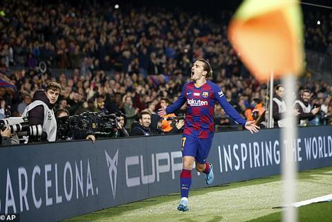 Barca 5-2 Mallorca Messi ăn mừng danh hiệu Quả bóng vàng 2019 bằng cú hattrick hình ảnh 2