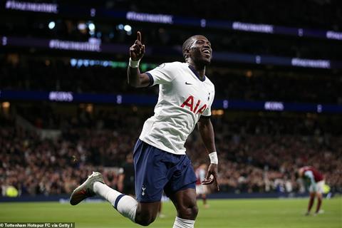 Tottenham chi phai nhan 1 cu dut diem trung dich tu Burnley