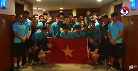 VIDEO: U22 Viet Nam chuc mung DT bong da nu vo dich SEA Games 30