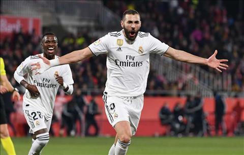 Santiago Solari khen ngợi Karim Benzema sau trận thắng Girona hình ảnh