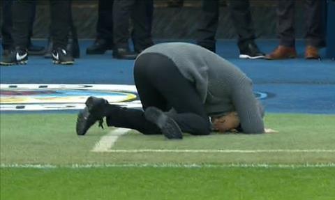 Aguero khien Pep Guardiola phai ngo ngang